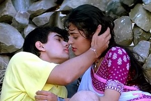 Aamir-Khan-Juhi-Chawla-Hottest-Bollywood-On-Screen-Couples