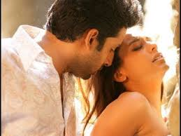 Abhishek-Bachchan-Rani-Mukherjee-Hottest-Bollywood-On-Screen-Couples