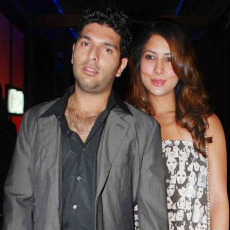 Kim Sharma and Yuvraj Singh - Bollywood Actresses and their Cricketer Link Ups