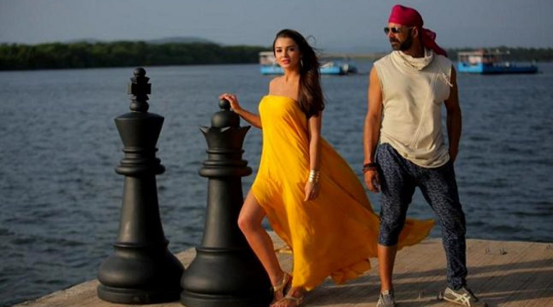 Singh Is Bling Collection Crosses 20.67 Crore on First Day